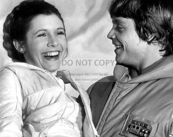 "Mark Hamill & Carrie Fisher ""Star Wars"" - 8X10 or 11X14 Photo (WW007)"