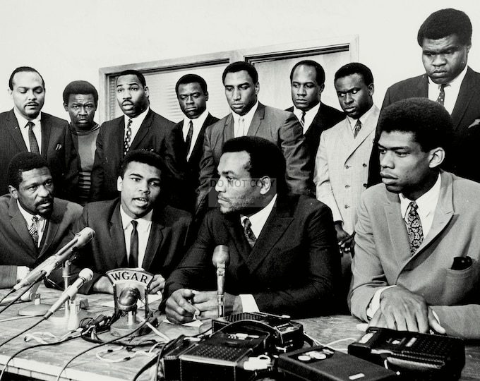 "Jim Brown & Muhammad Ali With Other Athletes at the ""Ali Summit"" - 5X7, 8X10 or 11X14 Photo (ZY-205)"
