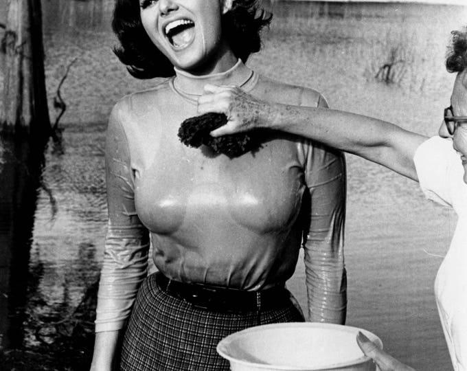 Actress Claudia Cardinale - 5X7, 8X10 or 11X14 Publicity Photo (FB-640)