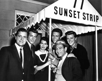 """Partial Cast From the ABC TV Series """"77 Sunset Strip"""" - 8X10 Publicity Photo (AA-695)"""