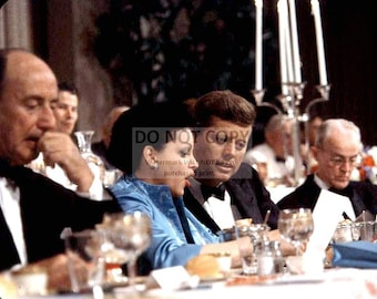 KENNEDY /& JACKIE HOST STATE DINNER AT MOUNT VERNON JOHN F 8X10 PHOTO CC-063