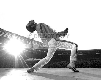 """Freddie Mercury on Stage, Lead Singer for the Rock Band """"Queen"""" - 5X7 or 8X10 Publicity Photo (WW-004)"""