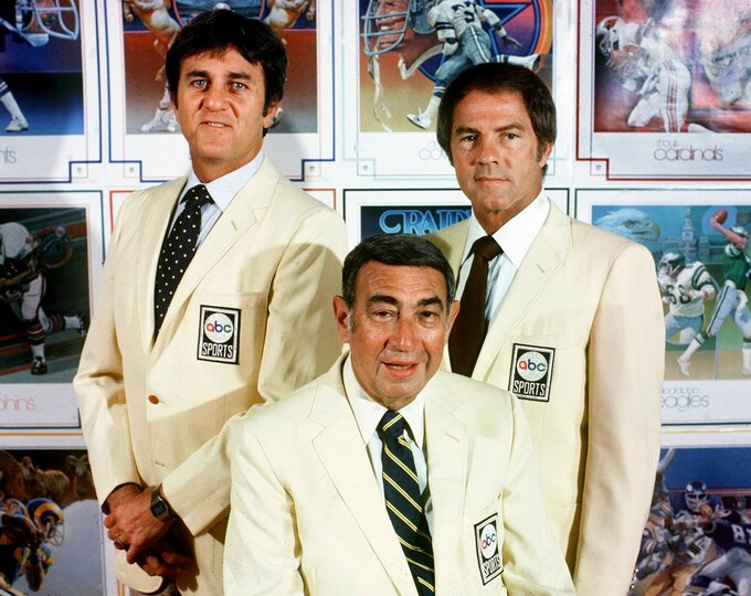Don Meredith, Howard Cosell & Frank Gifford From ABC's Monday Night Football - 5X7 or 8X10 Publicity Photo (ZY-158)