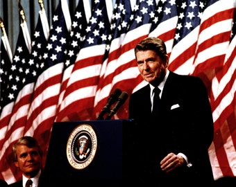 President Ronald Reagan Speaks at a Minneapolis Rally in February 1982 - 5X7, 8X10 or 11X14 Photo (EP-967)