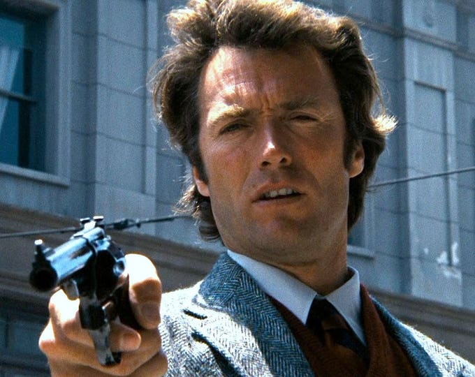 """Clint Eastwood Brandishing His .44 Magnum in """"Dirty Harry"""" - 8X10 or 11X14 Photo (ZY-325)"""