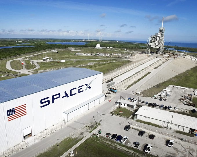 Overall View of Launch Complex 39A SpaceX Facility at Kennedy Space Center - 8X10 or 11X14 NASA Photo (AB-586)