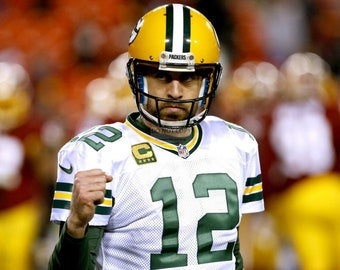 Aaron Rodgers Green Bay Packers Quarterback - 8X10 or 11X14 Sports Photo (WW027)