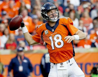Peyton Manning Denver Broncos Quarterback - 8X10 or 11X14 Sports Photo (WW014)