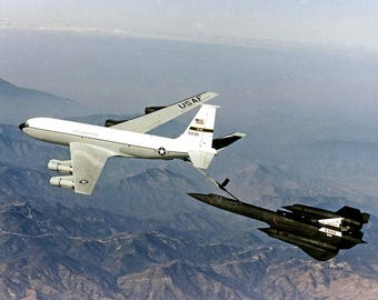 NASA SR-71 Aircraft Refuels From an Edwards Air Force Base KC-135 in 1997 - 5X7, 8X10 or 11X14 Photo (AZ164)