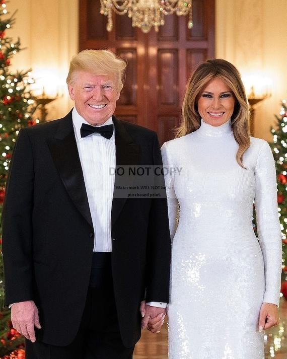 PRESIDENT DONALD TRUMP /& MELANIA 2018 CHRISTMAS PORTRAIT 11X14 PHOTO LG166