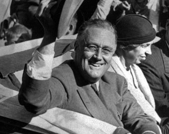 Franklin D. Roosevelt - 32nd President of the United States - 5X7 or 8X10 Photo (EP-847)