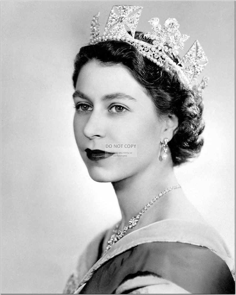 Her Majesty Queen Elizabeth II  5X7 8X10 or 11X14 Photo image 0