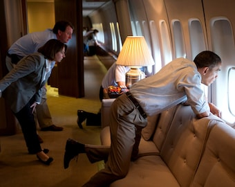 President Barack Obama Observes Tornado Damage From Air Force One - 5X7 or 8X10 Photo (CC-077)