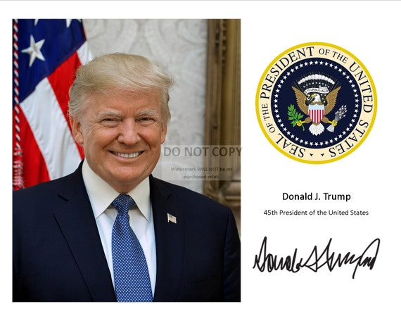President Donald Trump Presidential Seal 8 x 10 Photo with Seal /& Signature