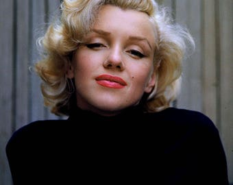Marilyn Monroe Iconic Actress and Sex-Symbol - 5X7, 8X10 or 11X14 Publicity Photo (OP-111)