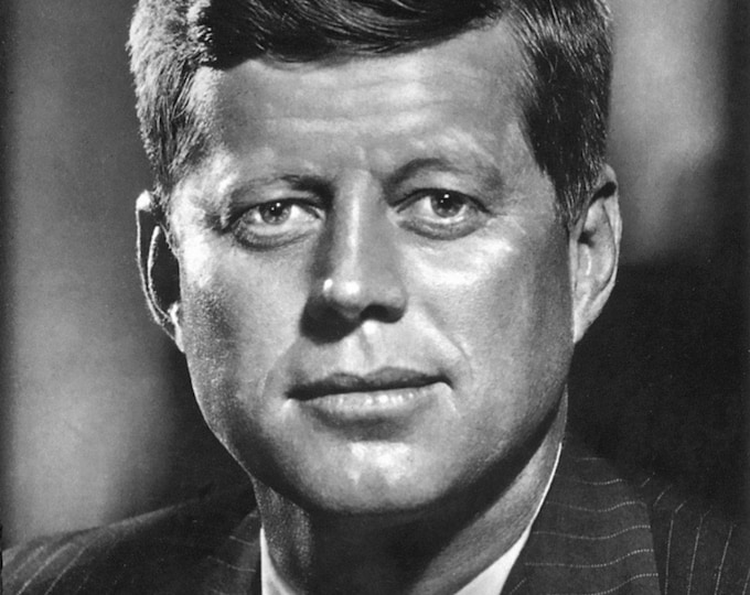 John F. Kennedy - 35th President of the United States - 5X7 or 8X10 Photo (AA-541)