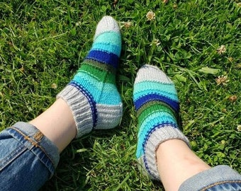 KNITTING PATTERN - The Scripey Socks // dk worsted weight, knit sock pattern, stripey socks, womens, mens, unisex,  stripes, stripy, colour