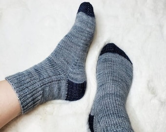 KNITTING PATTERN - The Ocean Point Socks // fingering weight, knit sock pattern, ribbed cuff, womens, mens, unisex,  contrast heel and toe
