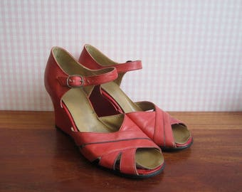 58bebf2f7a2 Vintage Red Wedges Sandals Shoes Leather Chunky Heel Crossed Straps Metal  Buckle Black Soles Boho Chic Hippie Summer Flower Power MCM 1970s