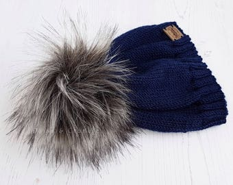 Navy blue knit beanie / Merino wool hat / Baby hat / 3-6 months / Faux fur pom pom hat / Hand knitted baby hat / Knitted baby clothes