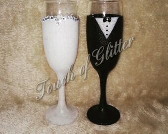 Bride and groom champagne flute set.