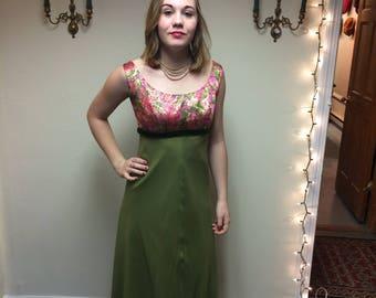 Floral green vintage dress