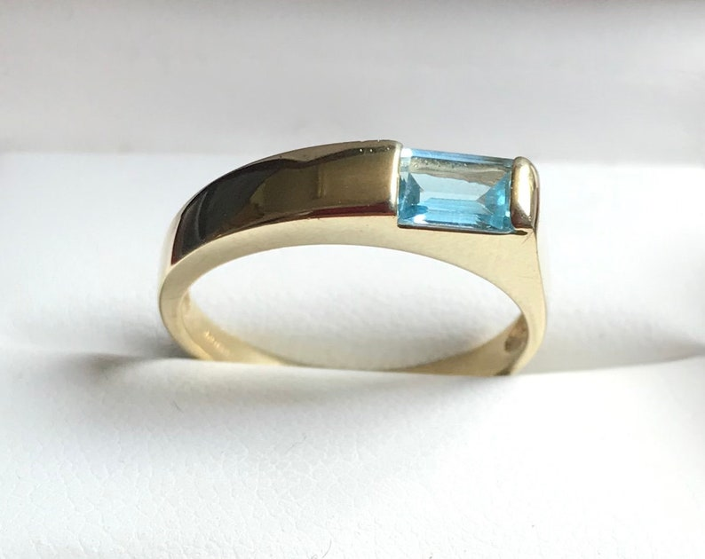 UK 14kt Gold Blue Swiss Topaz Ring Ring Size 6 M Solid Gold Blue Topaz Ring USA
