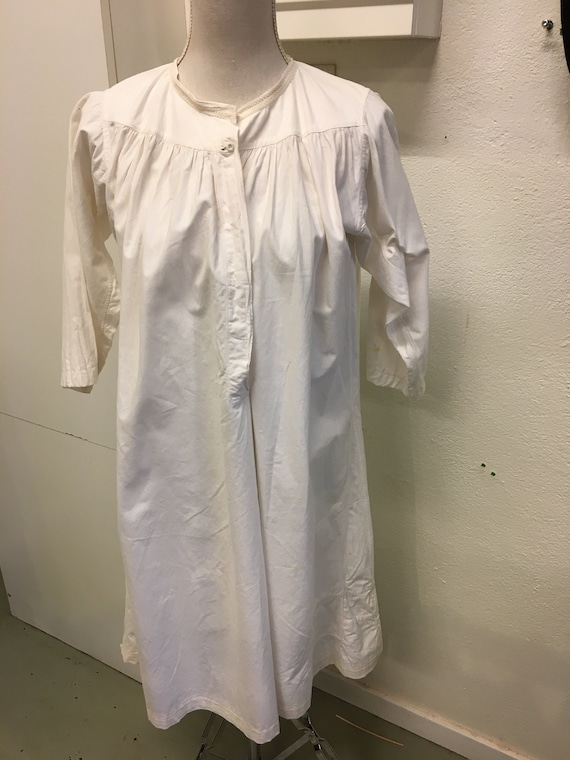 vintage nightgown from the 40s