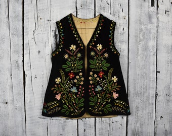 Antique Ukrainian vest   Traditional Ukrainian sleeveless shirt   Hutsul  vest kiptar   Folk vest with flowers   Old era outer garment 181dbd8ec
