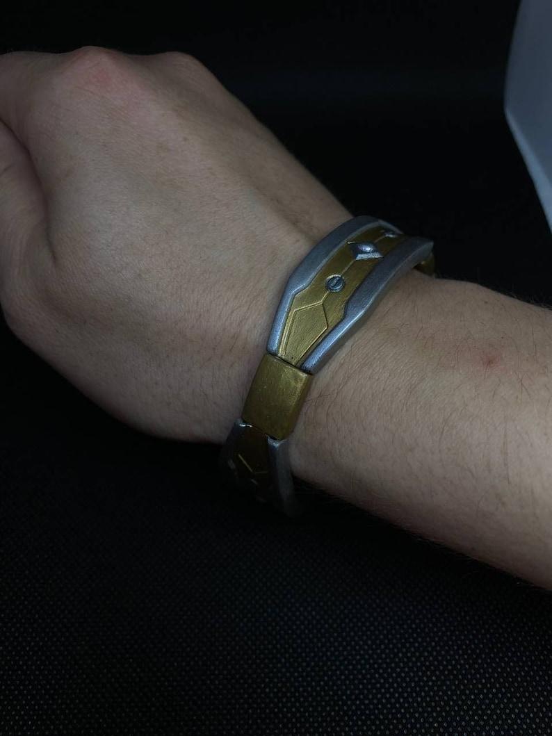 24. Apex Legends Loba bracelet