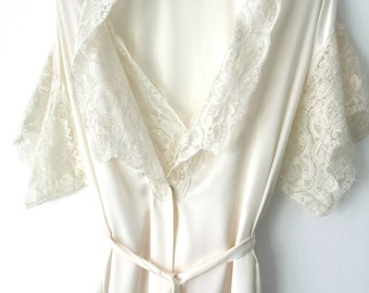 Vintage Olga Peignoir Set Lingerie Set Nightgown Matching Robe Ivory Cream Wedding  Honeymoon Lingerie Small Lace 9bd728e5ca4