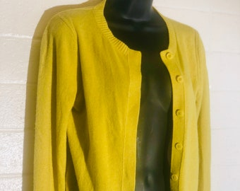 1960/'s Women/'s size Small in mustard-chartreuse and black 34 sleeve no close Italian wool cardigan