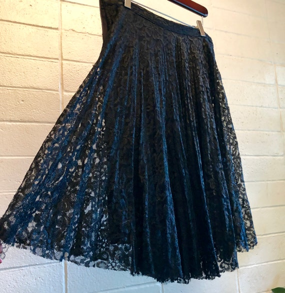 vintage 70s black lace kneelength prairie lace bohemian goth skirt womens small- new old stock