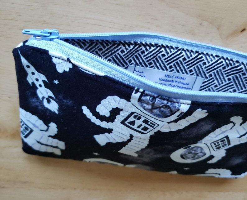 Glow In The Dark Cat Astronauts Zipper Bag in Black /& White