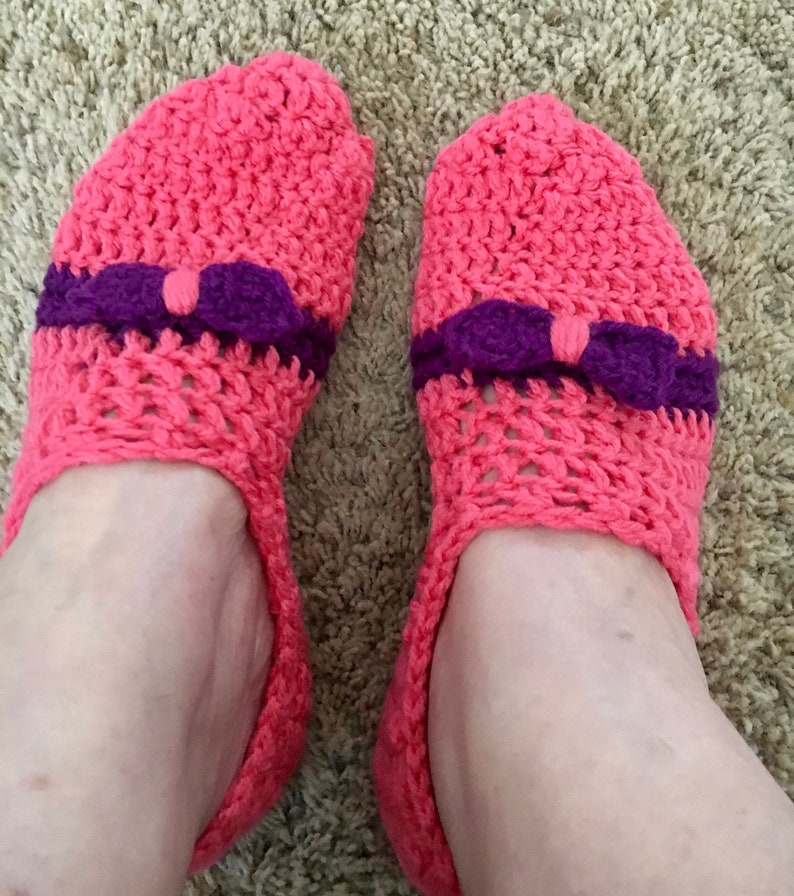 8c1b385cfe2 Pink Slippers Purple Bow Crocheted Size 8-9 1/2 FREE SHIPPING | Etsy