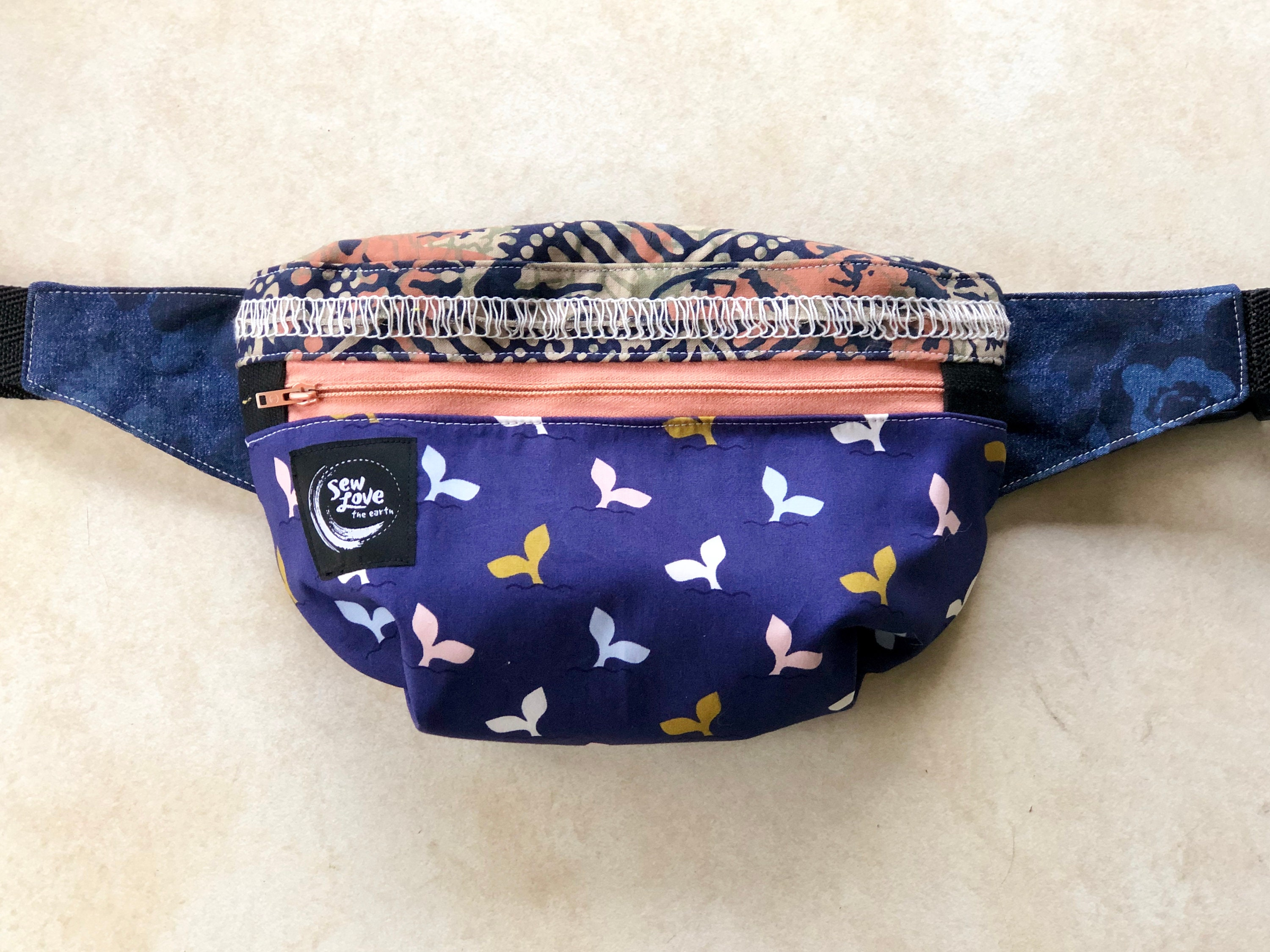 4f2514278eb9 Bumbag / Fanny Pack / Whale good / Upcycled