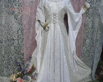 33dcf1355e1 Medieval wedding dress