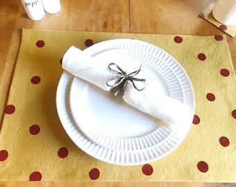 Polka Dot Placemats, Set of 4, Christmas Decor, Table Setting
