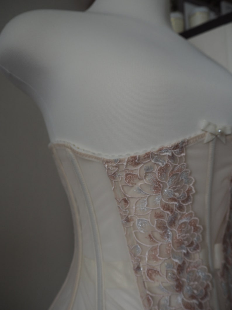Mesh underbust corset with peachy lace ONE SIZE