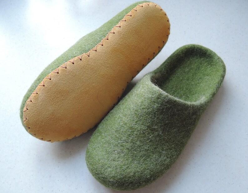 51836f7e8b53d Felt slippers/ slipper shoes/ felted slippers/ home shoes women/ Woolen  clogs/ natural wool mules