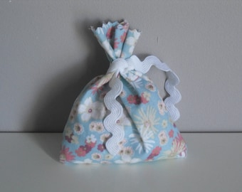 Little liberty pouch