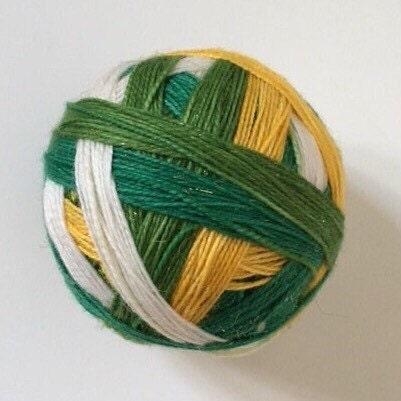 Laine Laine Laine à chaussette: «Le prince grenouille» (4 couleurs, auto entrelacement, stellina doré) 57863d