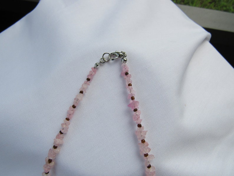 Gift Necklace Set Pink Glass Chips Butterfly Pendant Pink Reconstituted Stone Butterfly Drop Earrings
