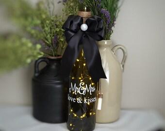 Wedding Anniversary Mr and Mrs Hugs & Kisses Wine Bottle Accent Light / Battery Operated LED Light String / Handmade Home Decor Gift