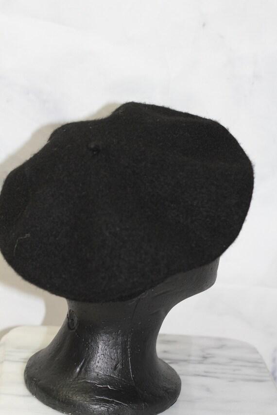 Black Beret Hat - image 4