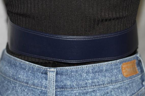 Dark Blue Leather Belt w/ Gold Belt Buckle - image 6