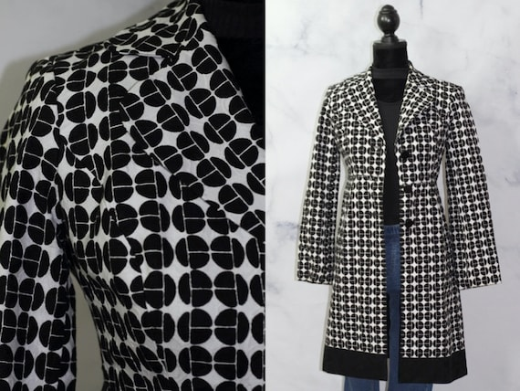 90's Checkered Black & White Trench Coat (2)