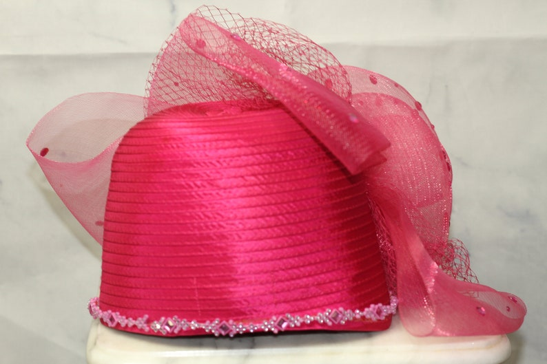Ashro Pink Lace & Rhinestone Rose Church Hat Kentucky Derby Hat *Excellent  Condition