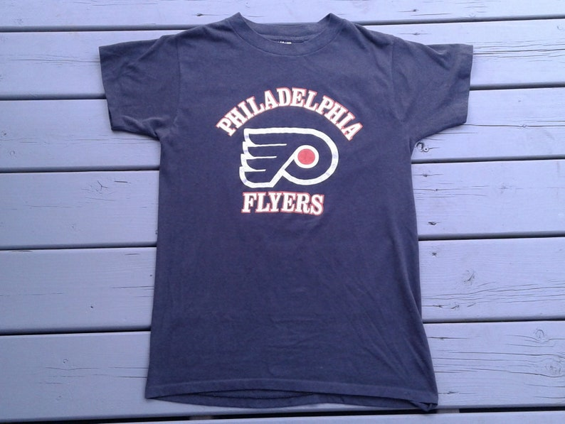 buy popular 7caa3 37cf2 Vintage 80's Philadelphia Flyers paper thin black t-shirt Made in USA Large