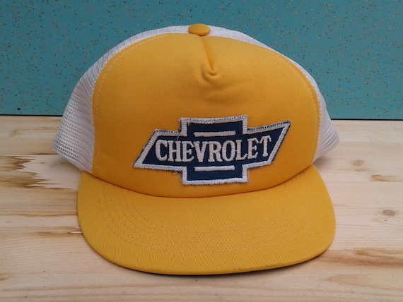 b916cf1aa7f Vintage 80 s DEADSTOCK Chevrolet yellow and white mesh